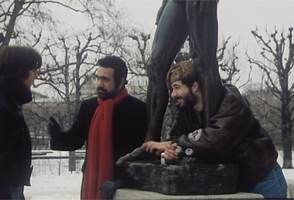 Figure 20 irreverent treatment of statue in I Love Vienna (Images © 1991 epo-film)